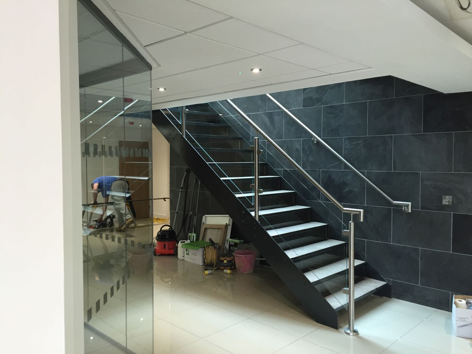 ... Steel Staircase With Stainless Steel Balustrade ...