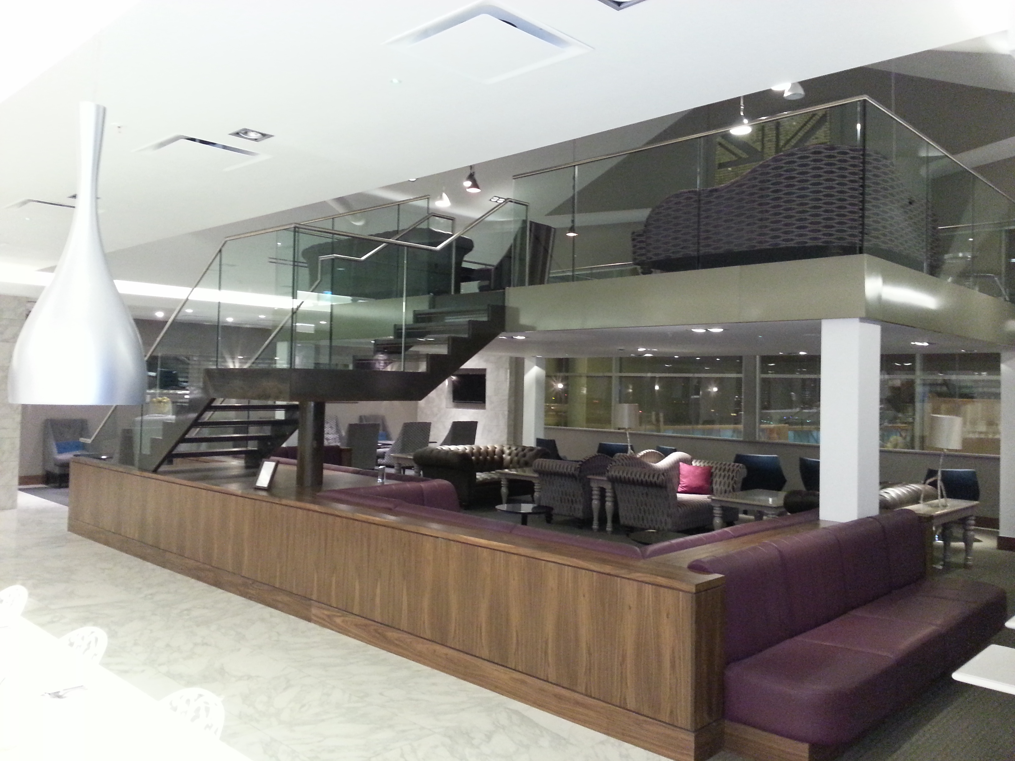 Airport Lounge Steel Staircase With Frameless Glass