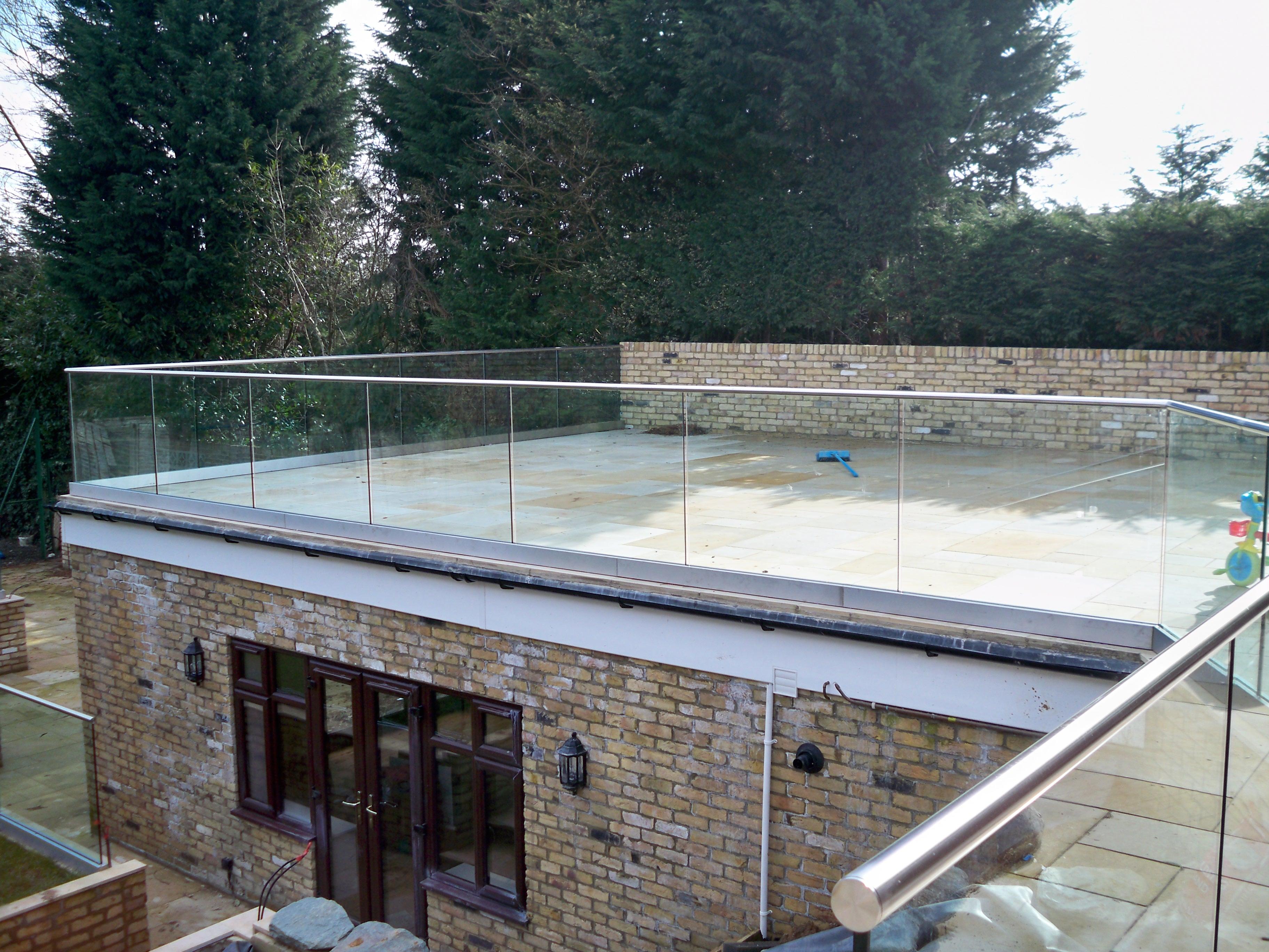 Frameless Glass Balustrade On Terrace Roof Morris