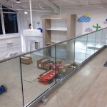 Frameless glass balustrade to mezzanine gallery